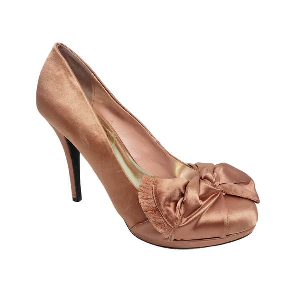 Fergie Delighted Satin Heels Shoes Size 6M